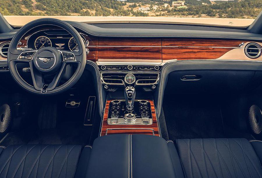 Flying Spur, lussuoso 'salotto' Bentley che fila a 333 km/h © Ansa