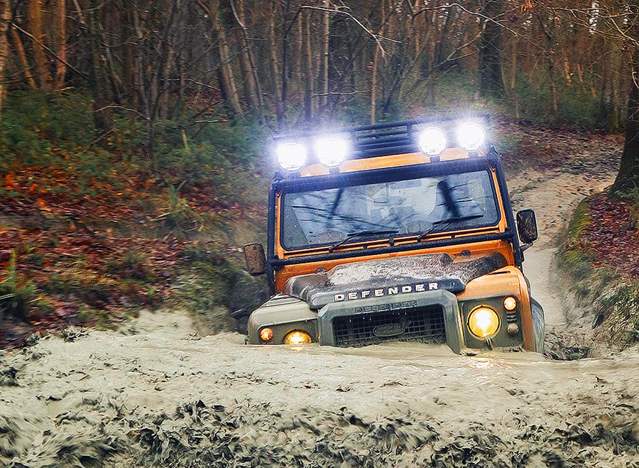 Land Rover Defender, impossibile cancellare l'icona dell'off-road © ANSA